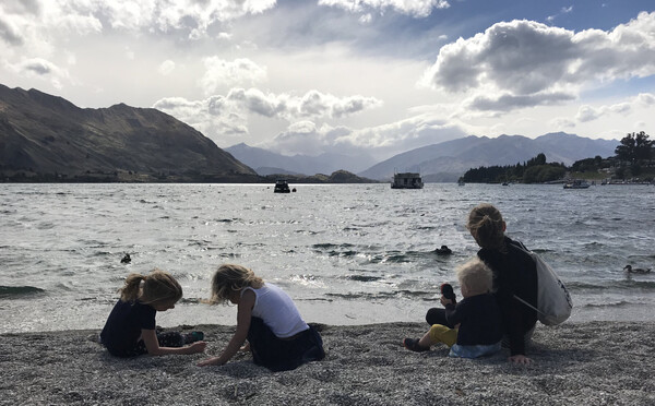 Lake Wanaka has a stoney beach. Still pretty.