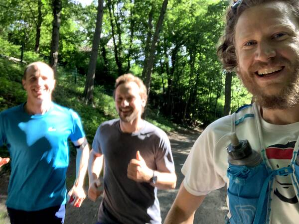 27 kilometer recovery run with a few hills and also Rasmus and Philippe