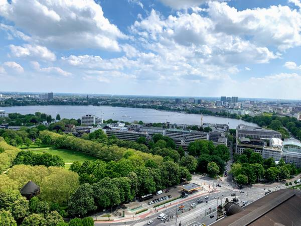 Hamburg's center including the Alster – not long until I'll swim in there again during the Hamburg Triathlons