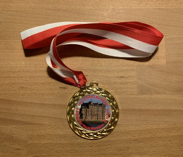 Here's another medal for the heavy box. By far not as heavy as our world record holder's medal box, though.